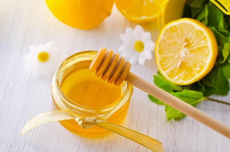 Vì sao nên uống nước chanh mật ong hàng ngày ?